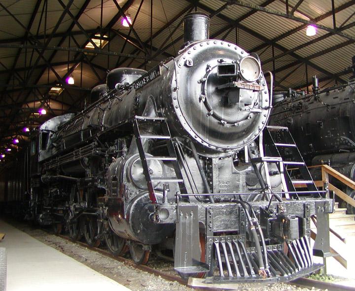H-23 Class 4-6-2 no. 2718