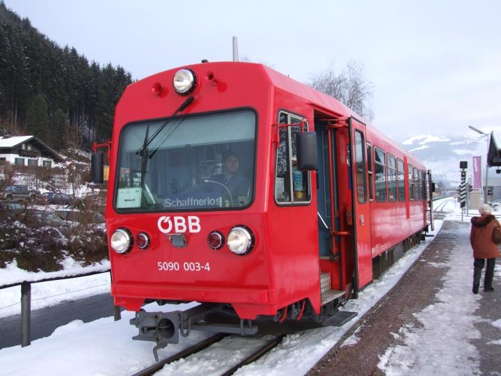 OBB 5090 003-4 in the snow