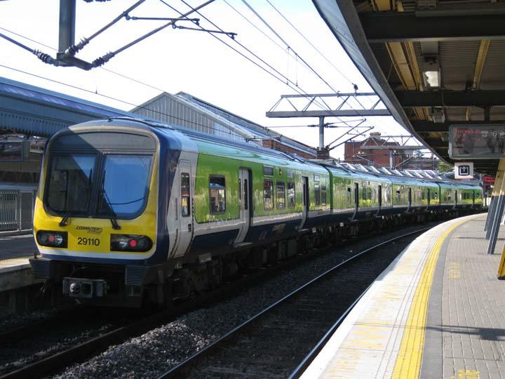 Irish Railways Class 29000 train Connolly station