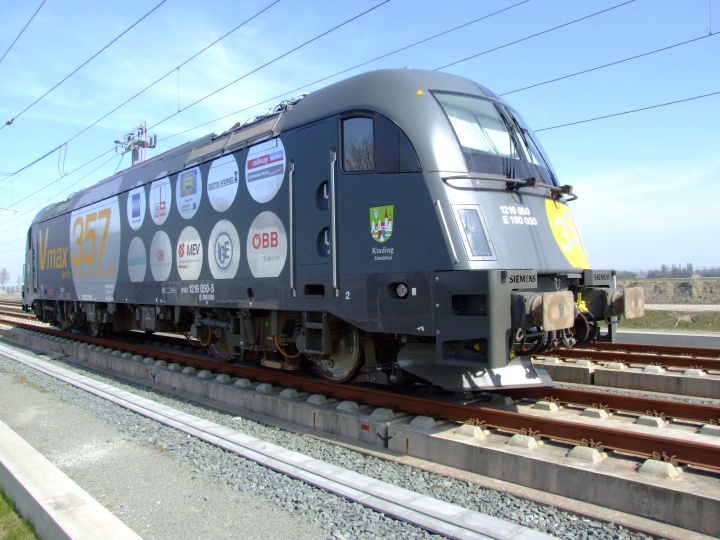 Siemens E 190 050 electric locomotive