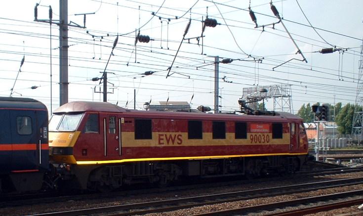 British Rail class 90 electric locomotive