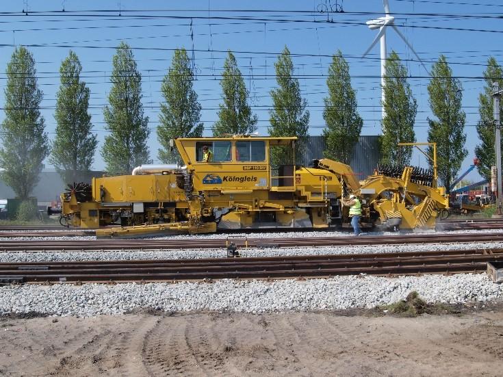 Ballast Profiler working on track