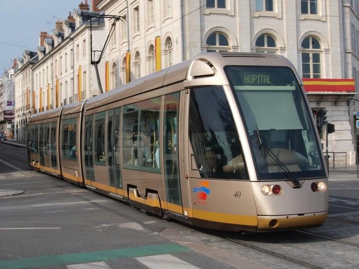 Tram line to Hopital, Orleans
