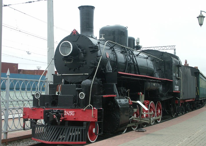 Ea-2450 2-10-0 freight locomotive