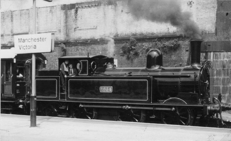 1054 at Manchester Victoria