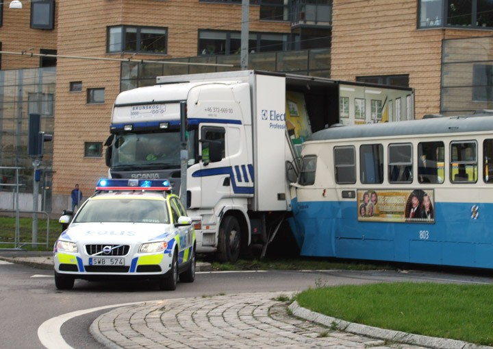 Tram meets truck - 1