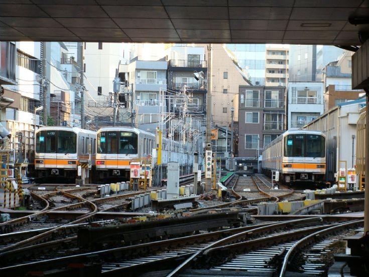 Ueno Ginza line garage station