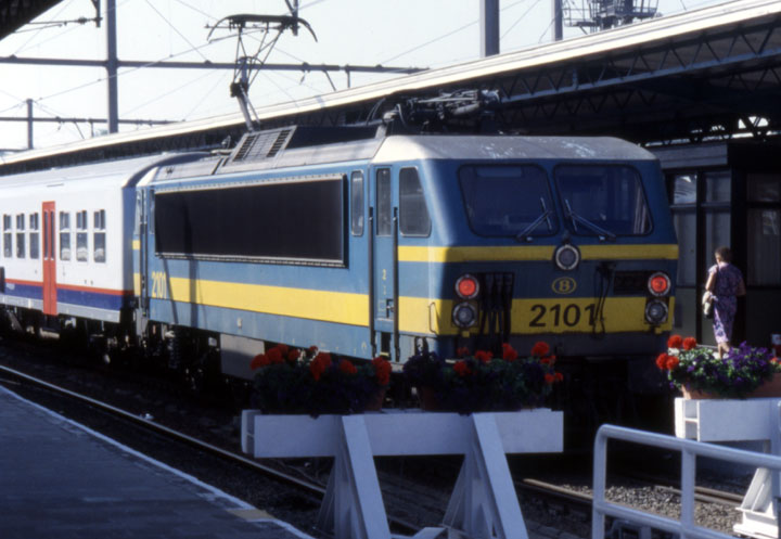 The 2101 NMBS electric locomotive