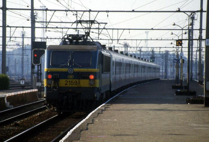 2159 NMBS Passenger Train