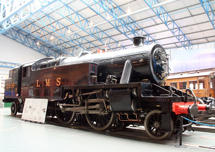 Train Photos - LMS Stanier 2-6-4T no. 2500, BR no. 42500