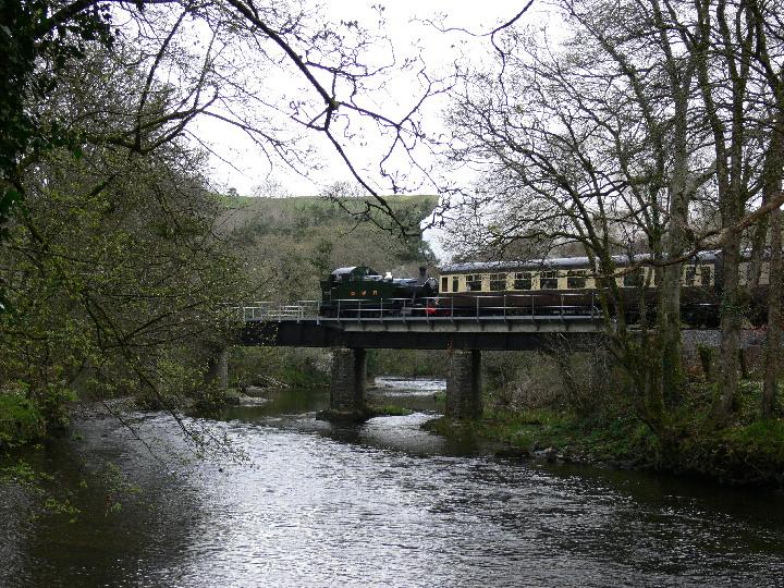 2-6-2 GWR Prairie 5542 at the South Devon Railway