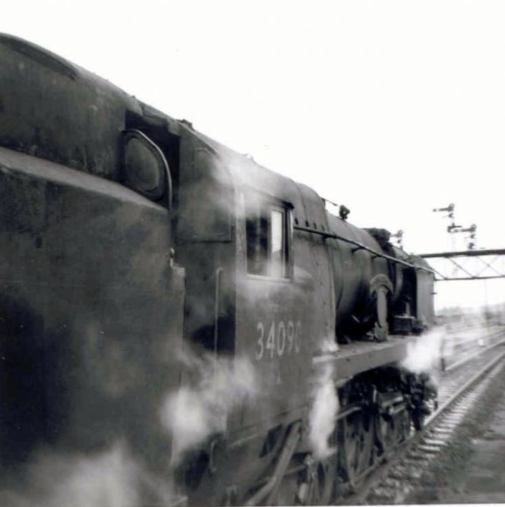 34090 SIR EUSTACE MISSENDEN SOUTHERN RAILWAY