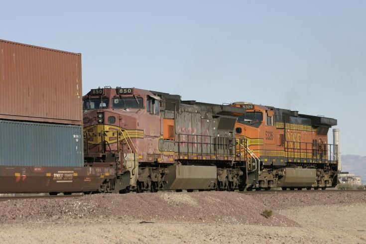 Santa Fe 850 and BNSF 5326