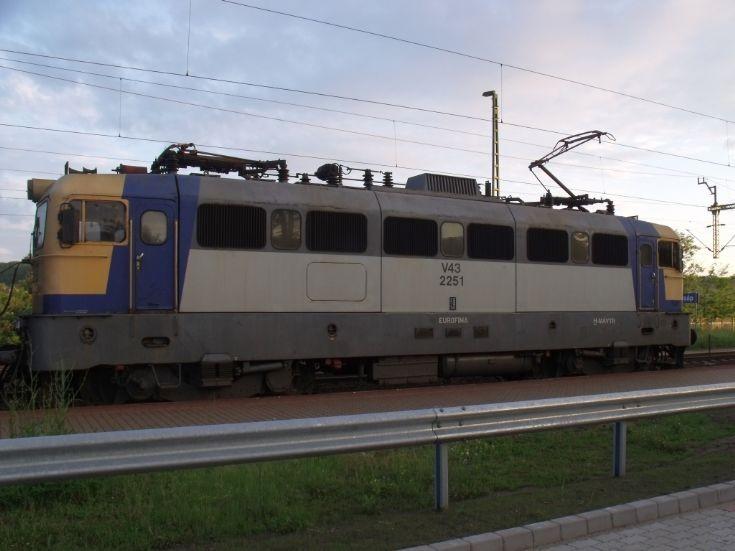 MÁV V43 2251