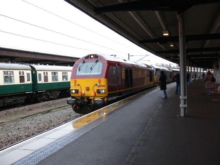 67020 and 67006 at York