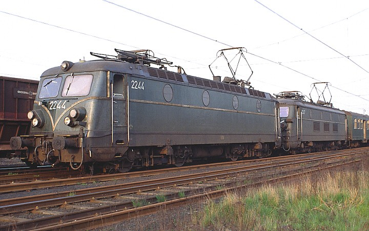 SNCB/NMBS 2244 + 2347