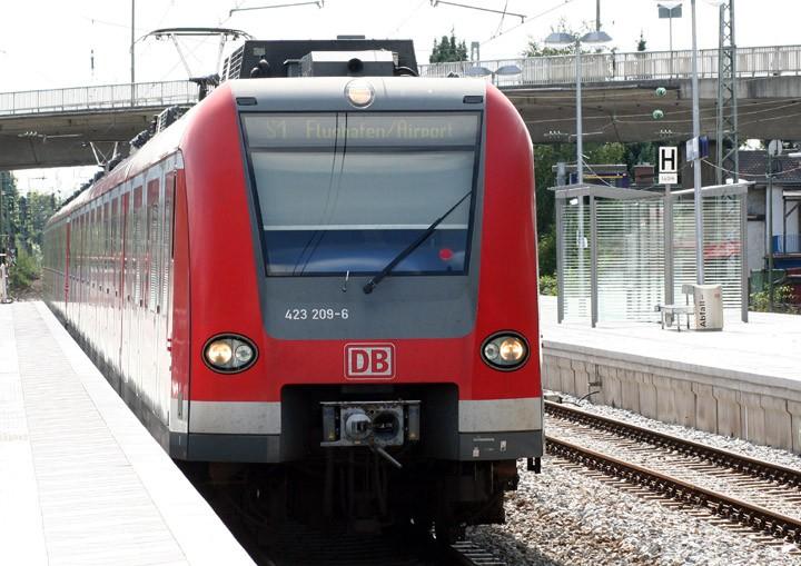 DB Class 423 no. 423 209-6 S-bahn train