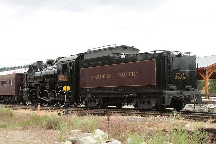 Kettle Valley locomotive 3716 back