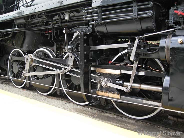 Kettle Valley locomotive 3716 wheels